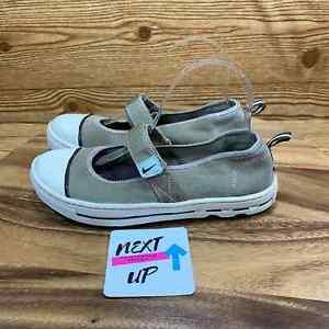 Nike Mary Jane Outdoor Hiking Sole Shoe 7.5