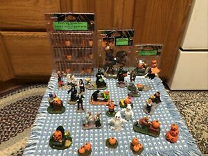 Lot of 26- Halloween Figures- Fence Lemax Spooky Town Headless Rare