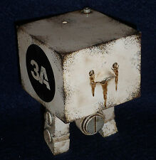 "ThreeA 3AGO WWR Square 10 Pack - WHITE LOGO 3"" Figure 1/9 Scale 3A Ashley Wood"