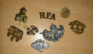 SELECTION OF VINTAGE MILITARY CAP BADGES  8x