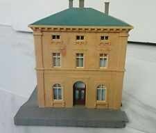 Z or N Scale Model Architectural Apartment Building House Station W. Germany