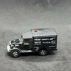Tomica Toyota Type HQ15V Police Truck #67 Vintage Die-Cast Vehicle Tomy 1970s
