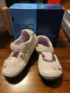 Toddler Girls Size 8W stride Rite Shoes  New In Box