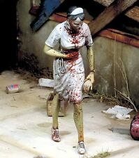 Royal Model 1/35 Nurse Zombie Fictional Undead Living Dead (Zombie Series) 762