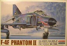 U.S.A.F. F-4 PHANTOM II FIGHTER/BOMBER A.R.I.I. 1:144 SCALE PLASTIC MODEL KIT