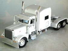 DCP WHITE PETERBILT 389 70 RAISED ROOF CAB 60-0805 C