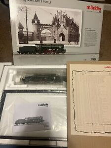 Marklin 37938 HO Prussian Class P 10 2-8-2 Steam with Display Case with DCC/Set
