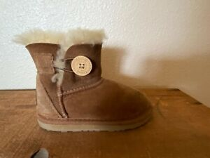 Ugg Boots Baby Toddler Size 6 Brown Suede Sheepskin Wool Lined One Button Bailey