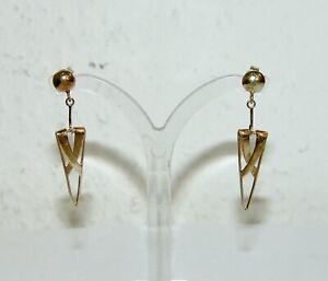 Ein Paar lange Ohrringe Gold 585