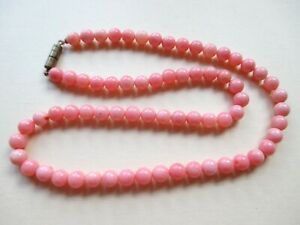 Beautiful Pink Round Bead Necklace with Screw Clasp.