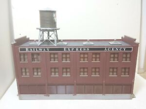 Walthers Railway Express Agency OWNER BUILT Model Railroad building HO Scale