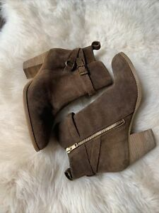 Ralph Lauren Brown Suede Women's Boots.  Size 8.