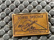 pins pin BADGE MUSIQUE MUSIC GUIARE TECHNO SPACE