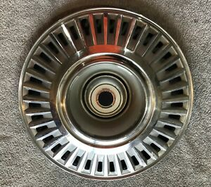 """1968-69 CHARGER, 1967-68 CHRYSLER, 1967-69 DODGE PLYMOUTH HUBCAP 2881753 15"""""""