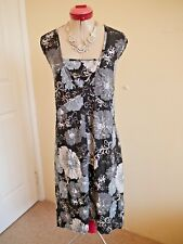 TAKING SHAPE Black White Grey DRESS Size 20 Floral Textured Silver Cream Brown