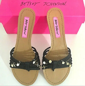 Betsey Johnson Sandals Black Brown with Gold Charms Size 6.5 NIB $78.00