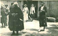 Photo ancienne sortie de messe vendéenne costume et coiffe mémé Grollier