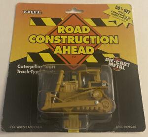 ERTL 1:64 Road Construction Ahead Caterpillar D6H Track-Type Tractor B1