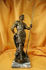Guerrero lanza de Picault.Escultura Calamina.Warrior spear Picault. Sculpture