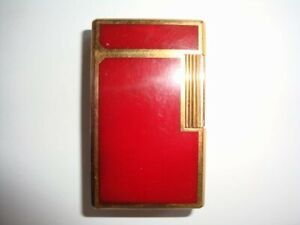 Vintage ST Dupont Lighter. Chinese Red Lacquered Maroon, Gold Trim.