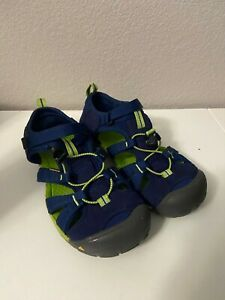 Keen | Seacamp II CNX Youth Size 6 Navy and Green
