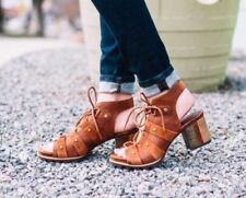 SOREL Addington Ghillie 8.5 Rust Leather Laced Stacked Heel DISTRESSED SANDALS