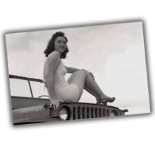 """wW2 Photo Jeep Willys Woman Nice Sexy woman Vintage Glossy Size """"4 x 6"""" inch S"""