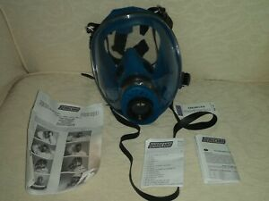 Used Full Face Respirator with 40mm NATO Screw Filter Thread. Spaciani TR2002.