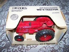 Red  Diecast 1/16 Scale McCormick WD-9 Tractor MFG 1988 ERTL #633