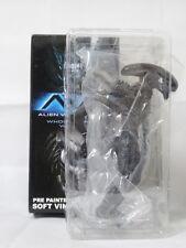 Grid Alien Figure Soft Vinyl Kit AVP Alien vs. Predator X-PLUS Monster Kaiju