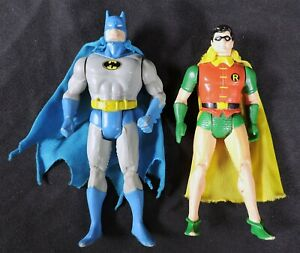 S744. SUPER POWERS COLLECTION Batman & Robin Action Figures w/ Capes (1980's)