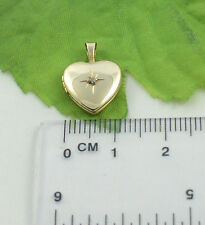 Sassi AU0008 Ladies Mini 9ct 375 Yellow Gold Diamond Set Heart Shape Locket