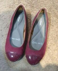 Target Ladies Extra Wide Purple Flats EUC. Size 8.5 super comfy