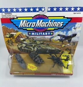 VINTAGE 1995 MICRO MACHINES MILITARY TERROR TROOPS #13 MAD DOG BANDITS NEW