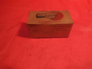 VINTAGE KEENALIGHT BOX OF 2 N.O.S.BULBS! W.J.PENNEY WEST HAVEN CONN! RARE FIND!!