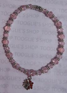 HANDMADE FACETED PINK GLASS BEAD STRETCH BRACELET SILVER FLOWER CHARM (125)