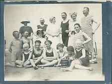 België, Wenduyne. Im Badeköstum (Maillot de bain), 1911 vintage silver print. Be