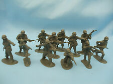 Xmas Stocking Filler 12 Grey Plastic Toy Soldiers