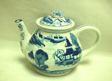 Chinese Pattern Blue & White Teapot with a Butterfly Finial on the Lid S9098