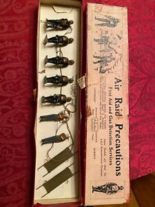VINTAGE Britains AIR RAID PRECAUTIONS SET 1759 WITH BOX