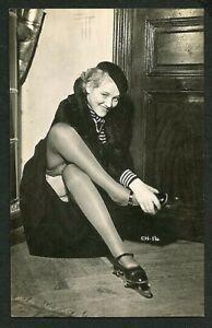French 1925 FLAPPER Ice Skates FLASHING Big SMILE Legs Stockings ~ VASTA Archive