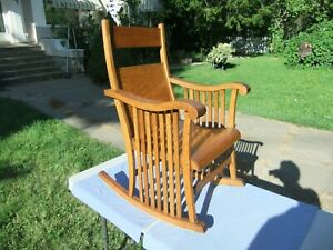 Antq Arts & Crafts/Mission Movement Quarter Sawn Solid Oak Child's Rocking Chair