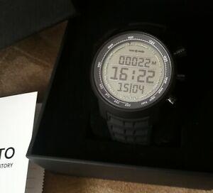 new suunto elementum terra black rubber lcd watch SS018732000 alti baro compass