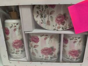 Rose bathroom set