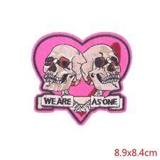 patch cranes ,skulls, tete de mort ; broder et thermocollant 9/8.5cm