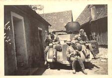 PKW Horch 930 V Soldaten beim Mittagessen in Polen