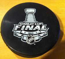 2013 NHL Hockey Stanley Cup Finals Boston Bruins Chicago Blackhawks Logo Puck