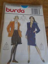 PATRON BURDA BERMUDA JUPE ET SA VESTE TAILLLE  36 AU 46 N° 4987
