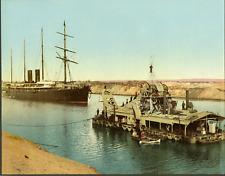 Canal de Suez. Navire et drague.  PZ vintage photochromie, Egypte photochromie