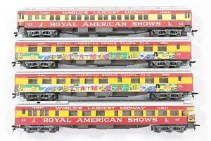 HO AHM/IHC/Rivarossi Royal American Shows 4-Car Heavyweight Passenger Set